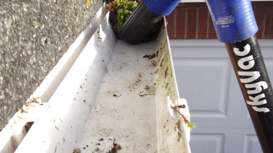 Gutter Cleaning in Bedford